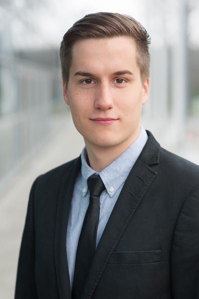 Businessportrait eines jungen Mannes, Kalu-Bremen