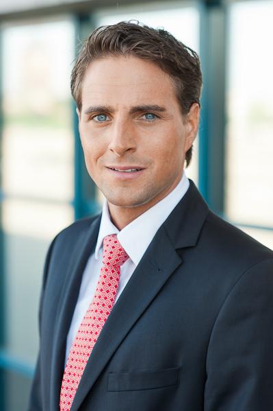 Businessfoto eines jungen Mannes