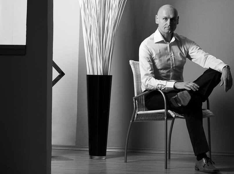 Businessportrait eines Geschäftsmannes im Büro